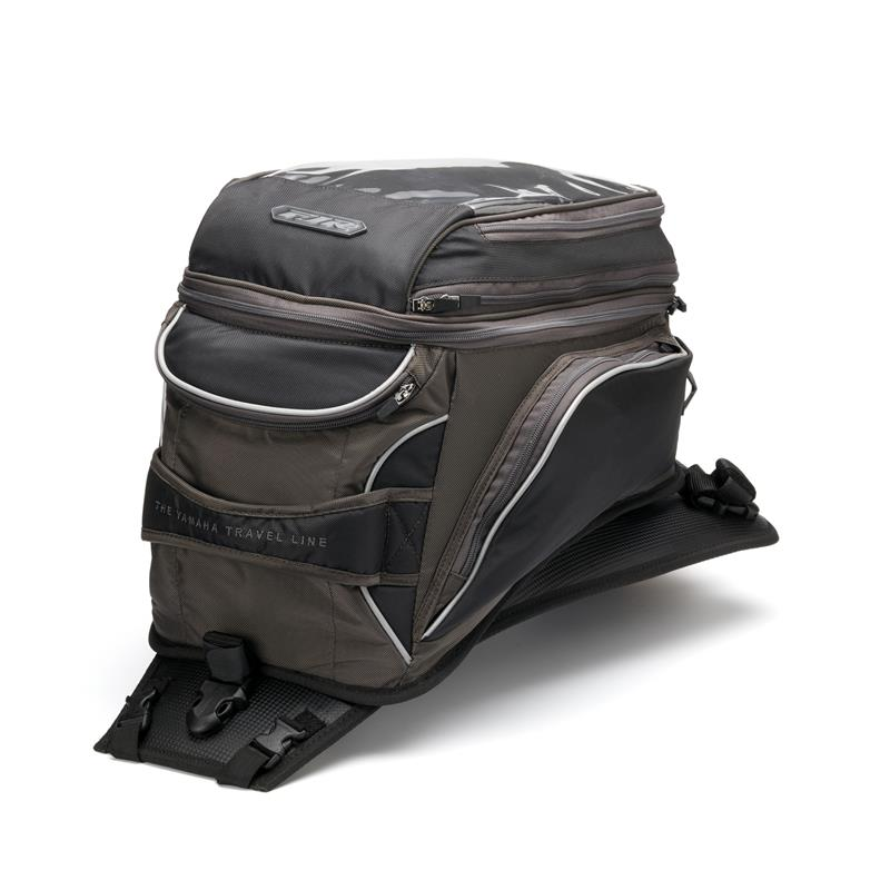 Comment bien ficeler un sac sur un top-case ? 1MC-TANKB-TR-00-tank-bag-touring-fjr-studio-005