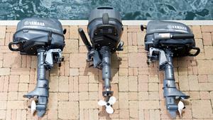 Kan oppbevares i tre posisjoner uten at det lekker olje fra motoren