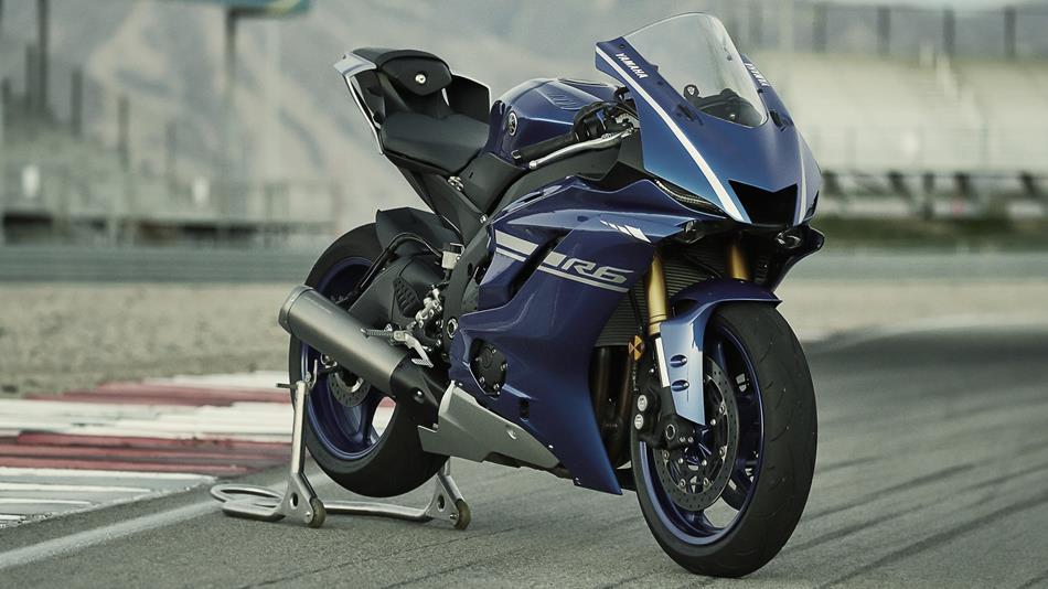 2017-Yamaha-YZF-R6-EU-Race-Blu-Static-00